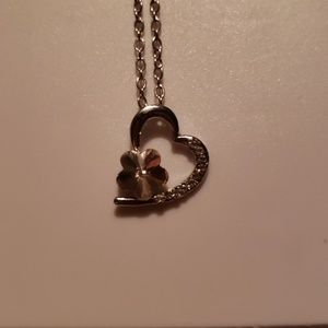 Jewelry - Heart and flower Necklace